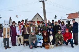 V Galovanoch si uctili fašiangové tradície tri desiatky účastníkov.
