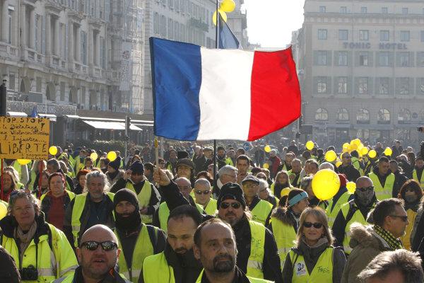 Protesty žltých viest ovplyvňujú aj program futbalovej ligy vo Francúzsku.