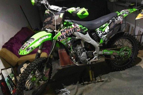Takto vyzerá ukradnutá motorka.