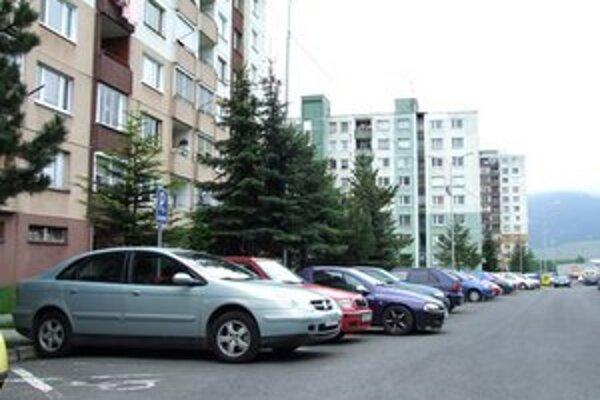 Odbor dopravy navrhuje na Podbrezinách regulovanú parkovaciu zónu.