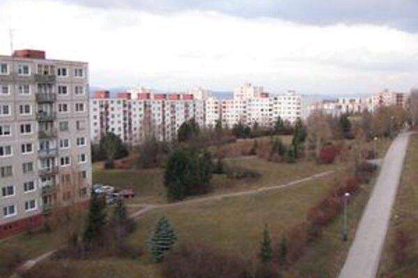 Obyvatelia chcú priestranstvo zachovať ako park.