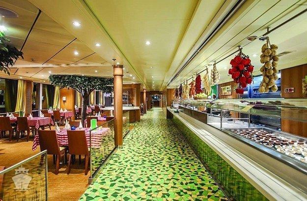 Reštaurácie a bary na lodi ponúkajú gurmánske zážitky.