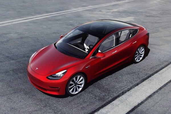Zdraženie sa nebude týkať najlacnejšej verzie elektromobilu Model 3.