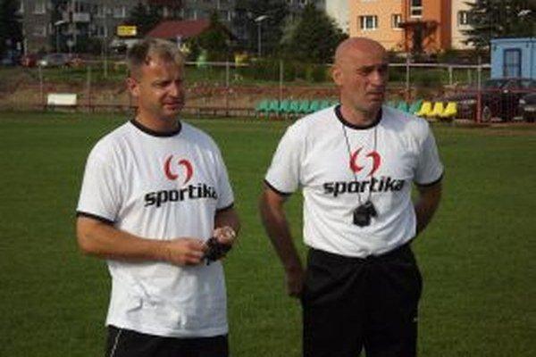 Jozef Škrlík (vpravo) v Tatrane skončil, Roman Vavrovič je hlavným trénerom a jeho asistentom bude Ján Hablák, ktorý povedie aj gólmanov.