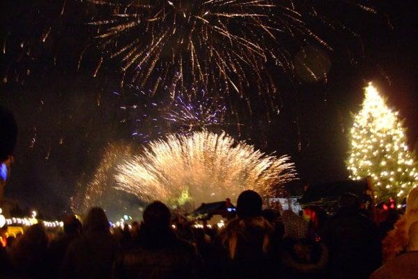 V Nitre bol mestský ohňostroj v decembri dva razy - keď otvárali vianočné mestečko a na Silvestra.