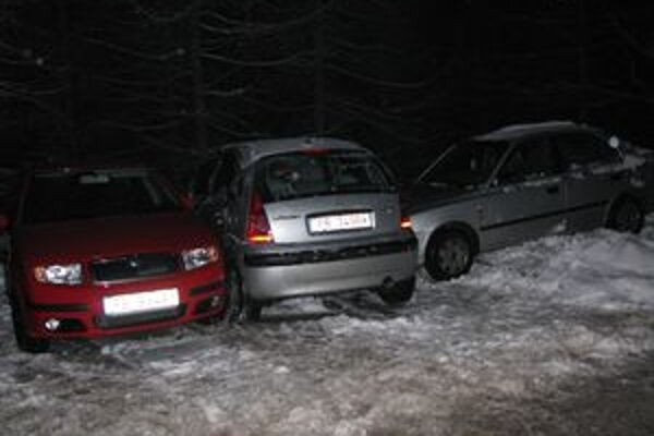 Vodičke osobného auta, ktoré nehodu spôsobilo, namerali v dychu viac ako 1,6 promile.