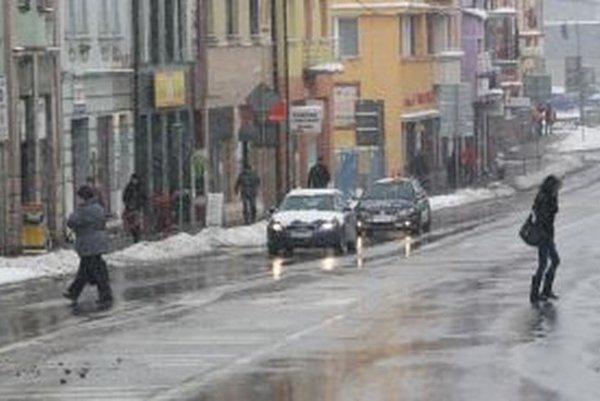 V piatok budú policajti kontrolovať účastníkov cestnej premávky v rámci osobitnej kontroly.