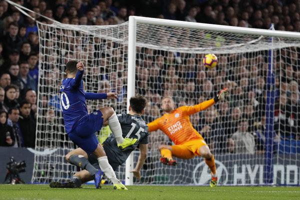 Eden Hazard strieľa góly v anglickej Premier League.