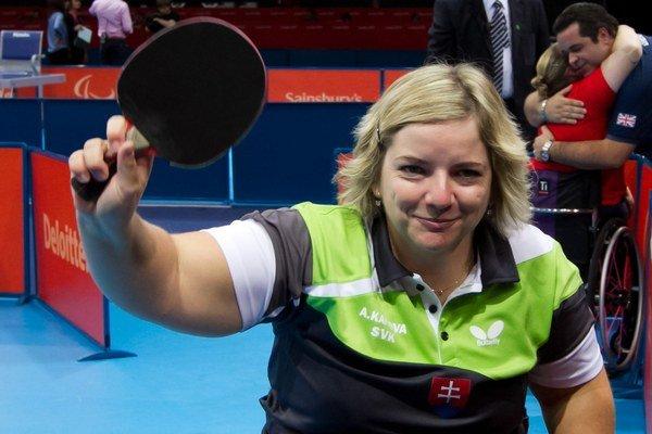 Stolná tenistka má za sebou štyri štarty na letných paralampiádiach. V Soči bude členkou mužsko – ženského curlingového tímu.