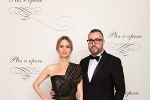 Zuzana Kanisová, módna stylistka s Michalom Borcom, riaditeľom PR a marketingu TV Markíza