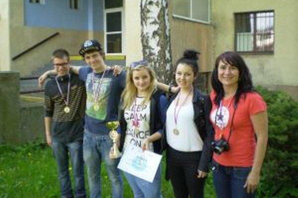Víťazný tím Základnej školy na Ulici československej brigády.