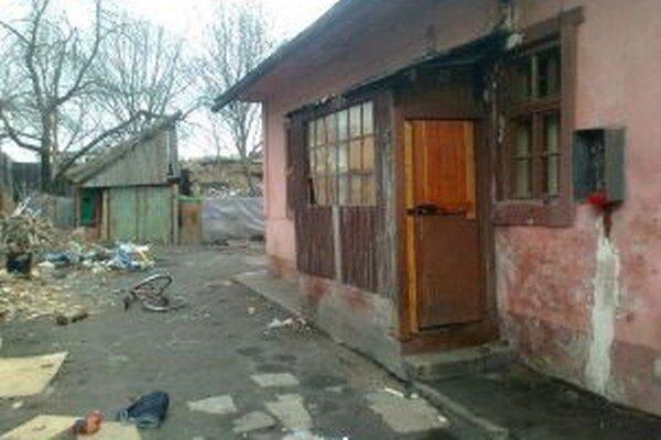 Budovy boli plné neporiadku, špiny a hlodavcov.