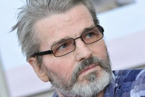 Štefan Halienka zomrel vo veku nedožitých sedemdesiat rokov. Jeho život priblíži film Objektívom jezuitu, ktorý bude mať premiéru  24. júna v ružomberskom kine Kultúra.