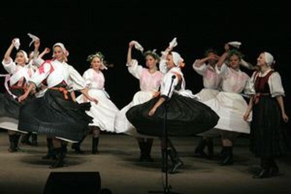 Folklórny súbor Váh bude reprezentovať Žilinský kraj na celoštátnom kole tvorivých choreografií v Košiciach.