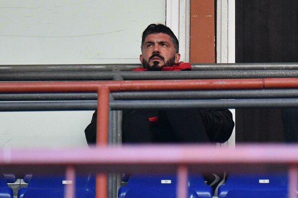 Tréner AC Miláno Gennaro Gattuso sledoval stretnutie pre trest iba z hľadiska.