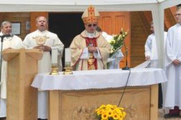 Svätú omšu na treťom ročníku Púte ku svätému Gorazdovi na Smrekovici celebroval vojenský ordinár František Rábek.