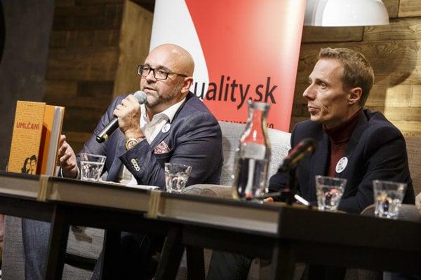 Šéfredaktor portálu Aktuality.sk Peter Bárdy (vľavo).
