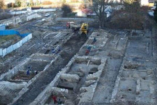 Jediné práce urobili na pozemkoch v centre Ružomberka archeológovia.