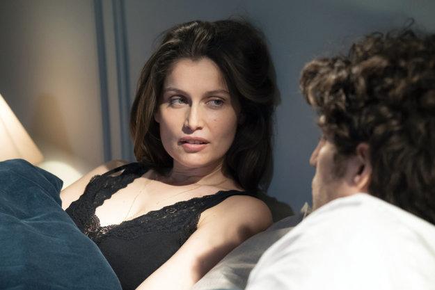 Laetitia Casta vo filme Verní neverní.