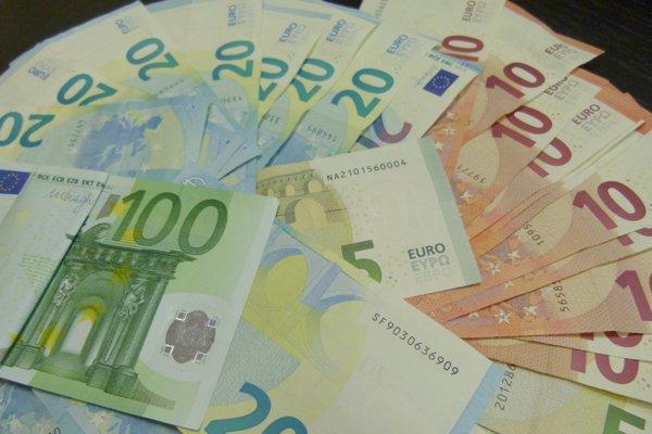 Pozor na falošné bankovky.