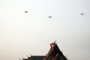 Drony nad Bangkokom