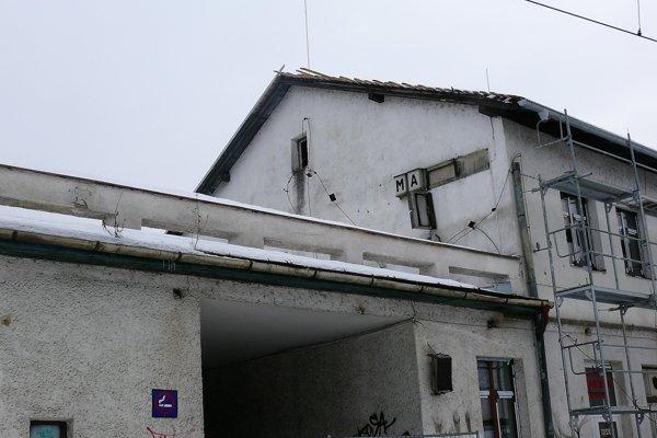 Rekonštrukčné práce na výpravnej budove začali v novembri minulého roka.