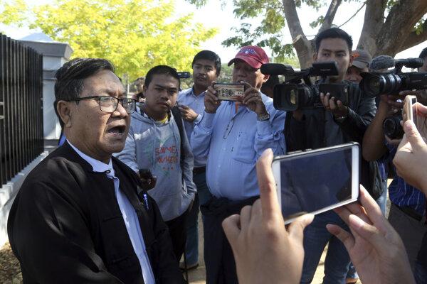 Právnici novinárov podali odvolanie voči ich odsúdeniu na najvyššom súde.