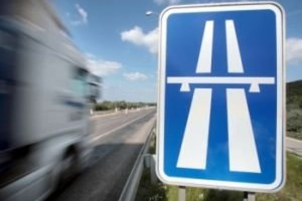 Počas opravy diaľnice budú musieť vodiči rátať s obmedzeniami.