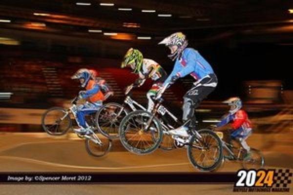 National Indoor Arena je najvačšou viacúčelovou halou vo Veľkej Británii. Prestavali ju a vytvorili technicky náročnú aj extrémne rýchlu dráhu.