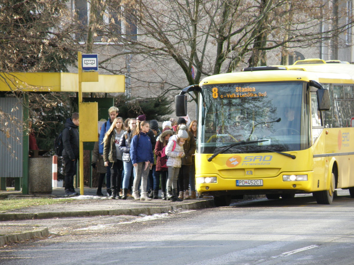 ad36fba9e Cestujúcich v autobusoch ubúda, mestá doplácajú stále viac - SME ...