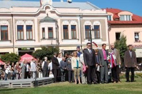 Na Námestí osloboditeľov v Liptovskom Mikuláši vzdali hold obetiam Slovenského národného povstania.