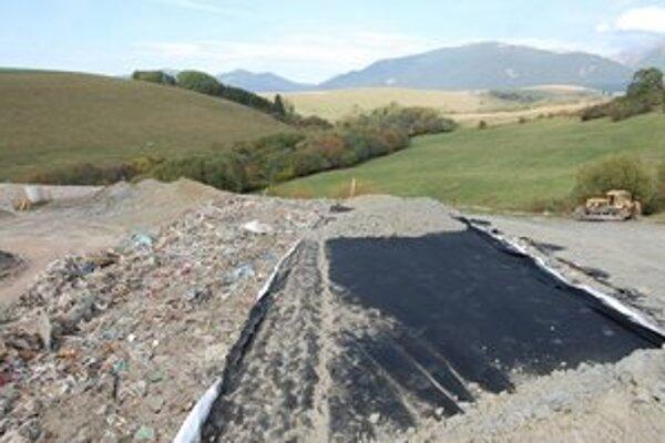 Namiesto smetiska bude vo Veternej Porube plocha s vysadeným trávnikom a krovinami.