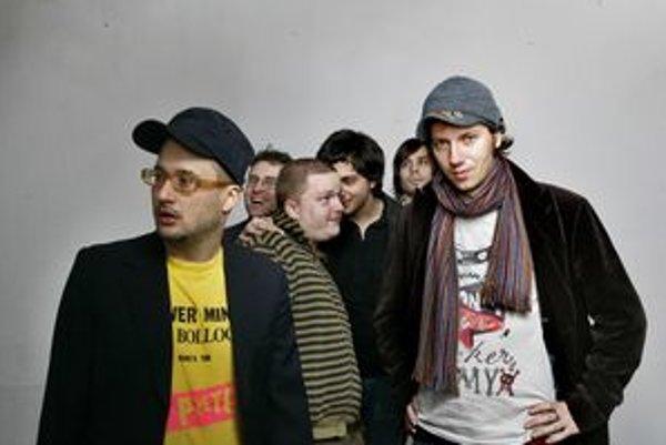 Skupina Para sa už v piatok v rámci turné Povstanie predstaví v Liptovskom Mikuláši.