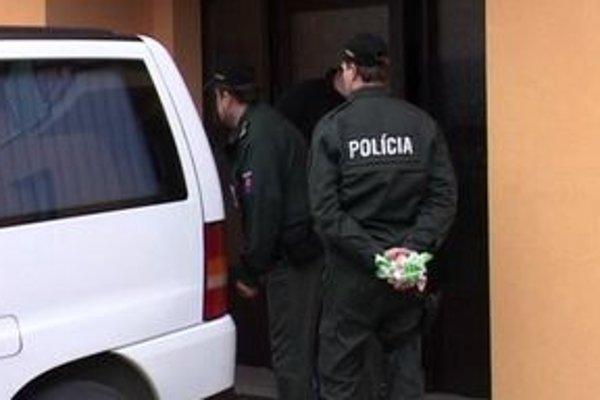 Minulý mesiac otriasla Ružomberkom aj samovražda muža. Zabil sa pred policajtmi.