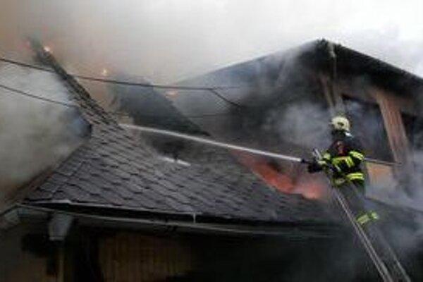 Prečo drevenica zhorela, ešte nie je známe. Príčinu budú vyšetrovať.