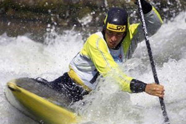 Alexander Slafkovský na divokej vode.