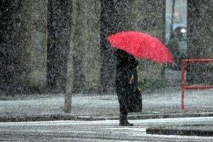 Meteorológovia predpovedajú aj sneženie už od nadmorskej výšky 600 metrov.