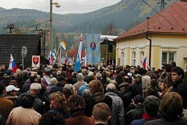 Obete tragickej udalosti si každoročne pripomína množstvo Slovákov