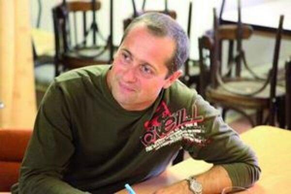 Stanislav Káľavský píše pre seba a pre radosť svojich priateľov.