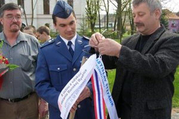 Stuhu na štafetu pripevnil starosta Partizánskej Ľupče Ľubomír Frič.