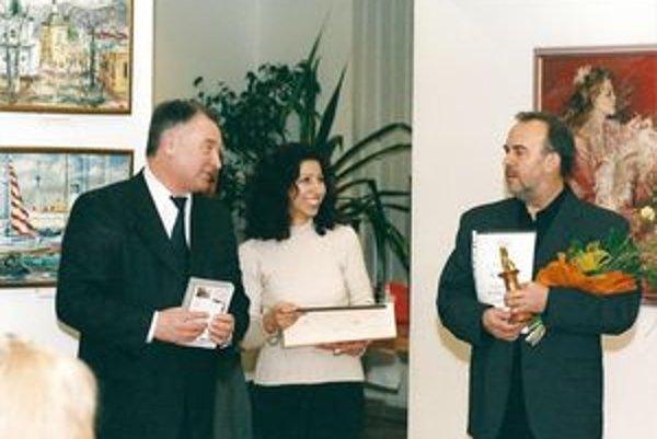Úspešný režisér, scenárista a vysokoškolský pedagóg Vlado Balco (vpravo).