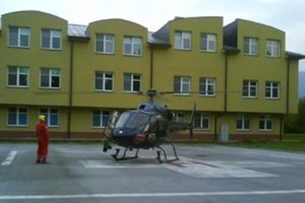 Vrtuľník z ružomberskej nemocnice vyštartoval niekoľko minút pred siedmou hodinou večer.
