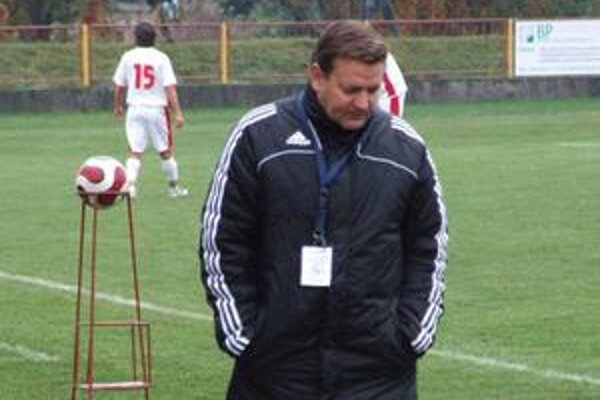 Napriek lichotivému postaveniu v tabuľke druhej najvyššej slovenskej súťaže sa vedenie 4. tímu po jesennej časti rozhodlo nepokračovať v spolupráci s Ladislavom Totkovičom.