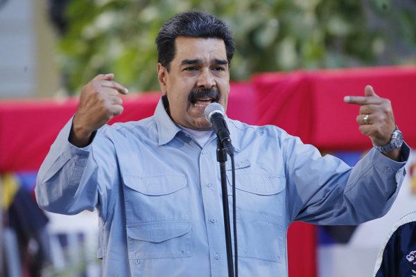 Maduro nariadil presunutie európskej centrály štátnej ropnej spoločnosti.