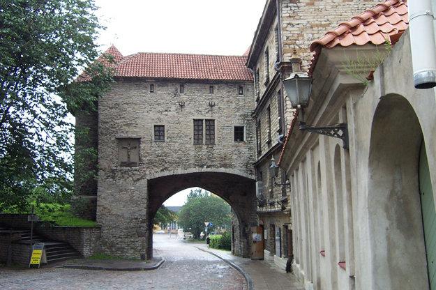 V uličkách Tallinnu.