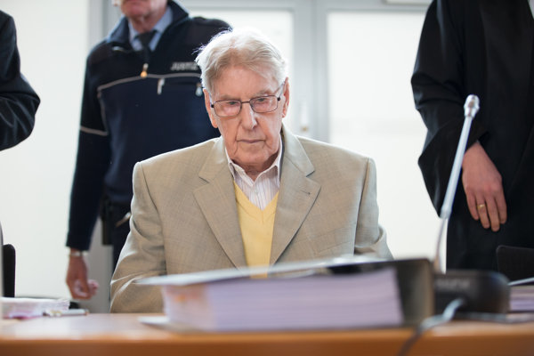 Reinhold Hanning bol strážnikom vAuschwitzi.