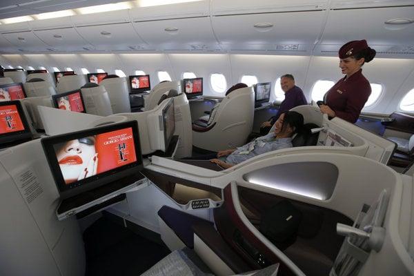 Pohľad do prvej triedy lietadla Airbus A380.