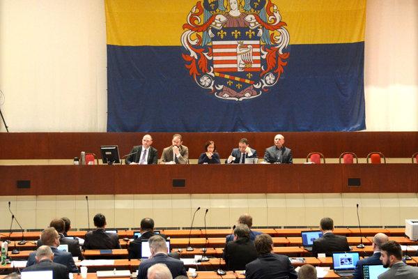 Mestské zastupiteľstvo schválilo rozpočet.