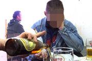 Podanie alkoholu  sa zistilo  u ôsmich osôb, išlo o päť  chlapcov a tri dievčatá.