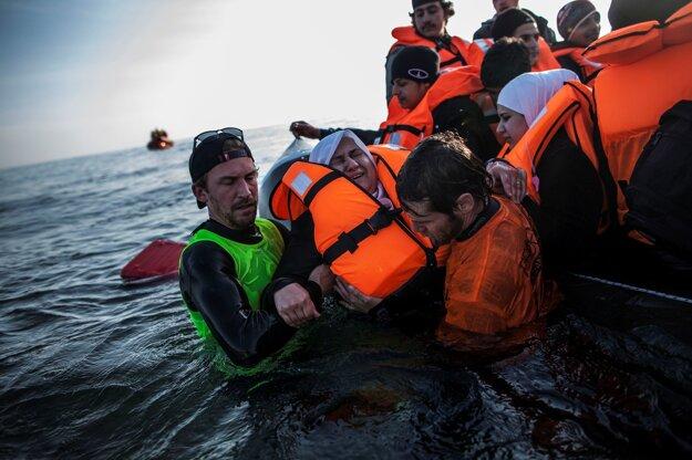 Utečenci na ceste z Turecka do Grécka.